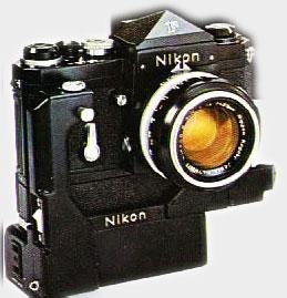 Nikon F avec son moteur